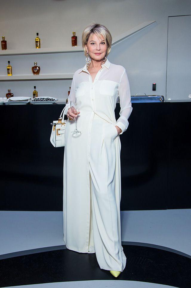 Татьяна Веденеева: стильные образы 67-летней ведущей и актрисы - 8