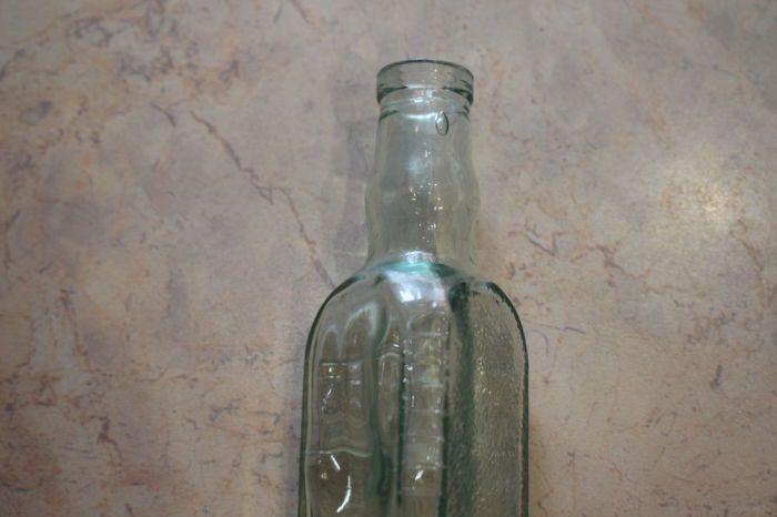 Зачем в СССР выпускали треугольные стеклянные бутылки? | BarCaffe