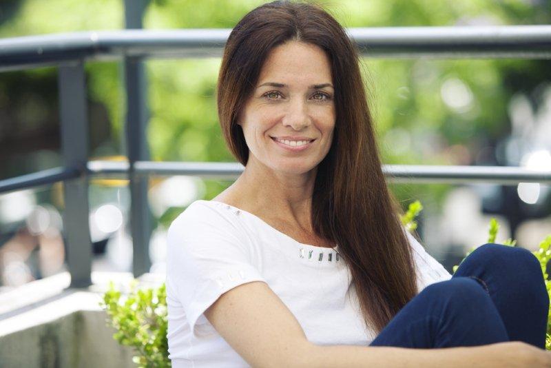 прически для взрослых женщин с длинными волосами