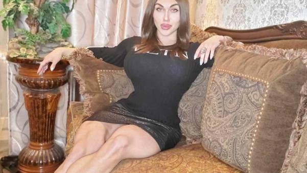 «Стала такой женственной». Наталья Кузнецова примерила платье, восхитив Сеть