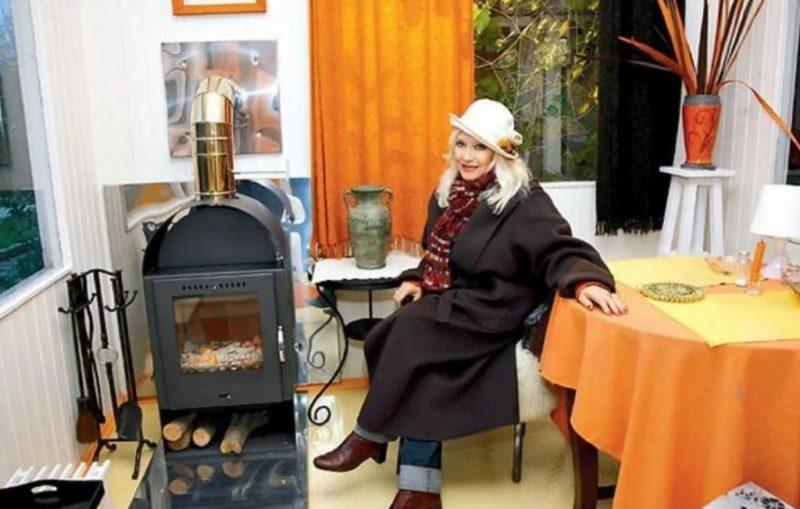 Уютное загородное убежище: в каких условиях живёт Ирина Мирошниченко -  Brainum