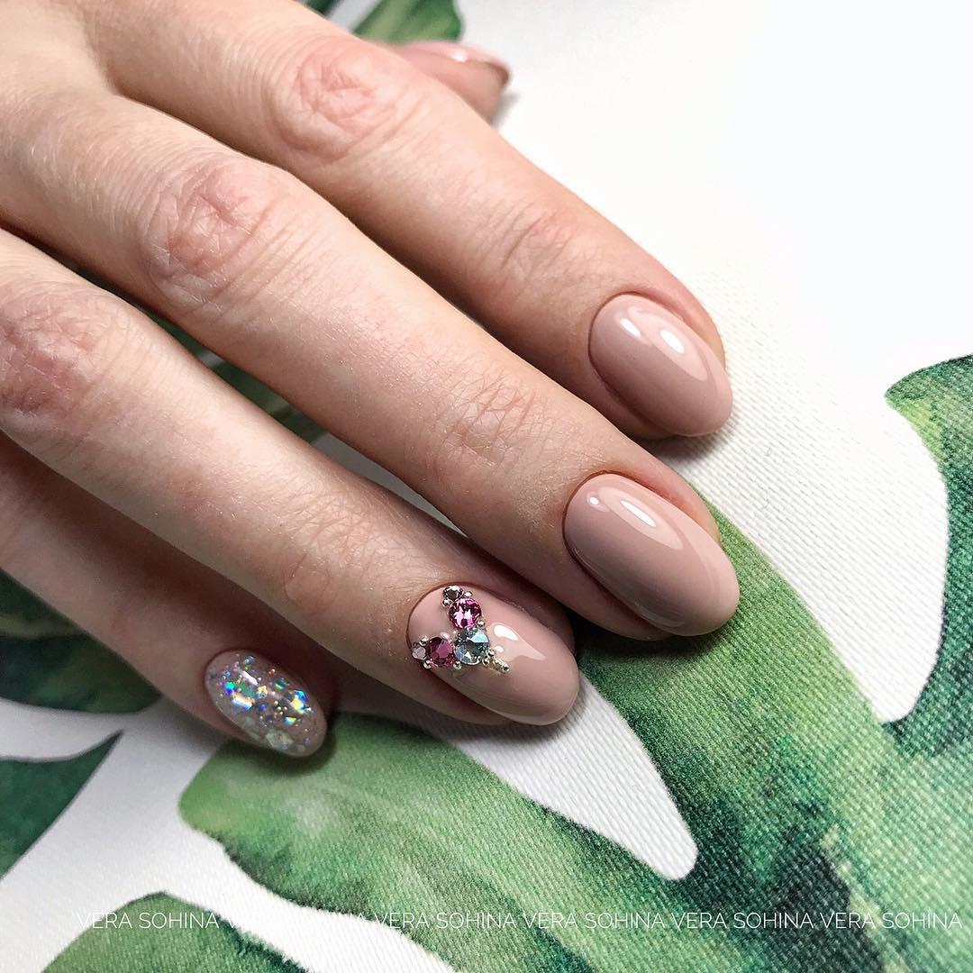 Круглая форма ногтей: 20 дизайнов самого востребованного маникюра - 18