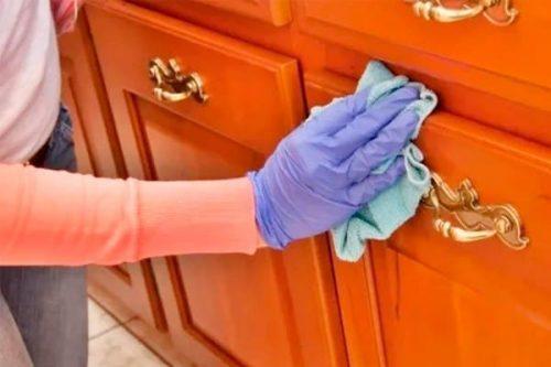 Как надолго избавиться от пыли на мебели и зеркалах: простой способ